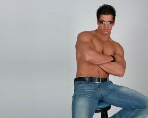 мужские синие джинсы фото
