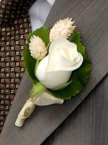 бутоньерки из живых цветов свидетелям фото