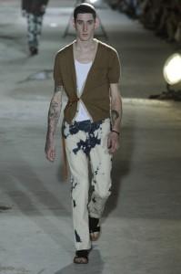 модные джинсы в пятнах картинки