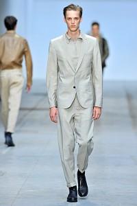 белые брюки мужские с отворотами