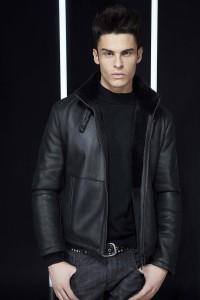 кожаная куртка осень 2011 от Лагерфельда