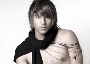 стрижка на длинные волосы парню