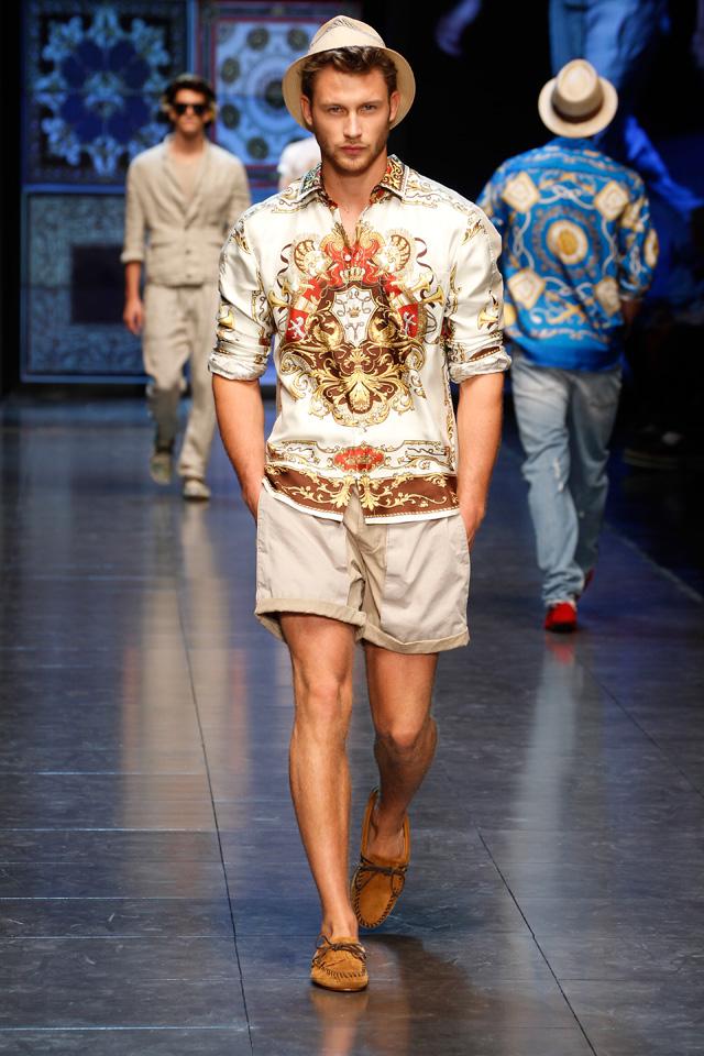 Мужские летние костюмы. Стильные блузки и рубашки для