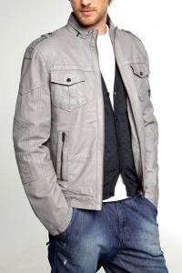 стильная светлая куртка фото