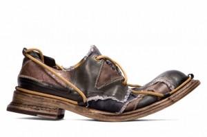 модные туфли из кусочков кожи от Джона Гальяно