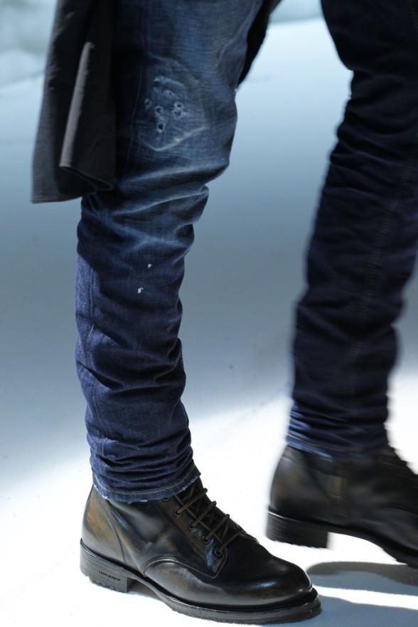 Парень в туфлях
