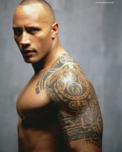 татуировка на плече Дуэйн Джонсон