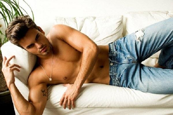 как самому порвать и состарить джинсы