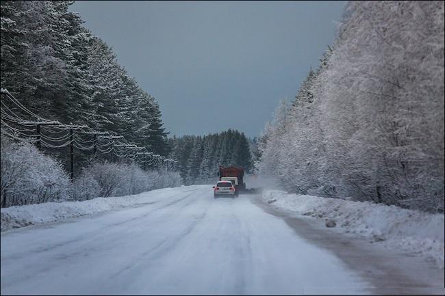 движение на дороге в зимнее время