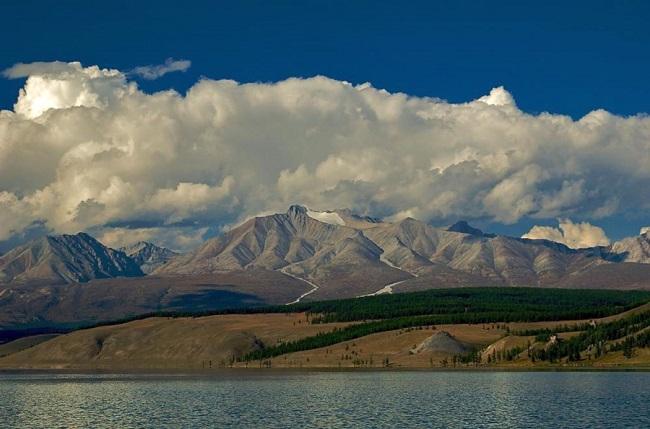 mongolija-di-kaprio-hubsugul